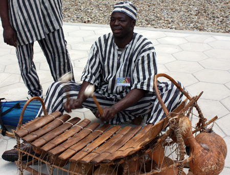 Balafon player