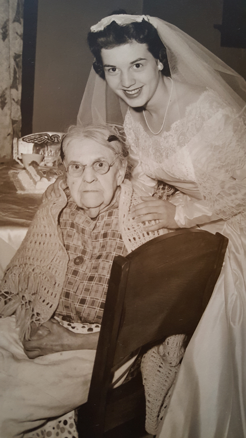 Amy Kenneley with her great grandmother on her wedding day