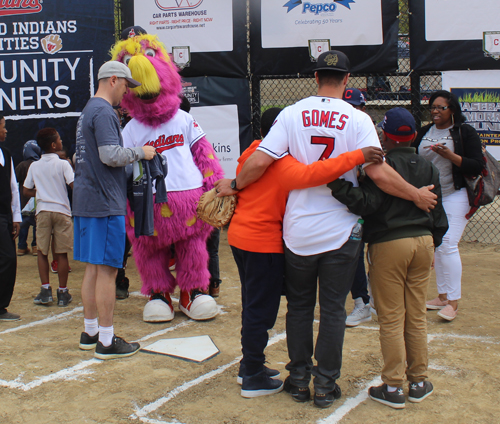 Cleveland Indians mascot Slider with Yan Gomes and kids