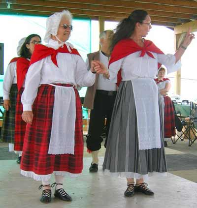 Welsh Country Dancers of Central Ohio - led by Donna Boyce