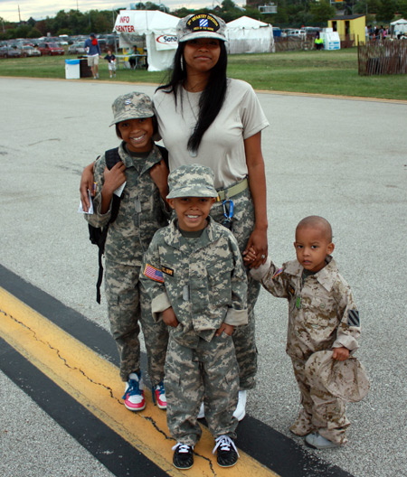 Beshanae Nelson and Alexis, Isaac and Mason representing 1st Lieutenant Isaac C. Nelson II