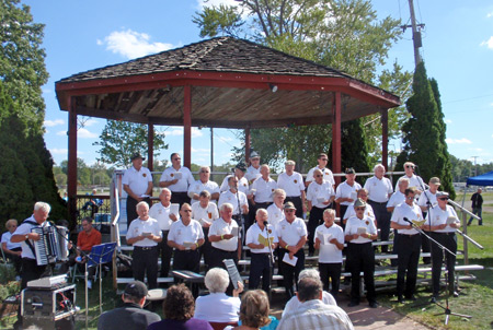 D'Lustigen Isartaller Bavarian Club men's choral group