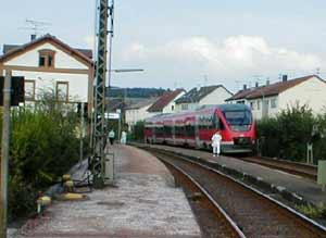 commuter train in Dellfeld near Zweibrücken