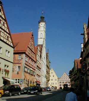 A view up Hermgasse toward the Rathaus & the square