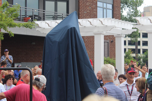 Rocky Colavito statue covered up before unveiling