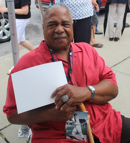 Willie Horton with championship ring