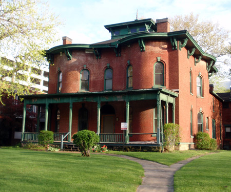 Cozad-Bates house in Cleveland's University Circle
