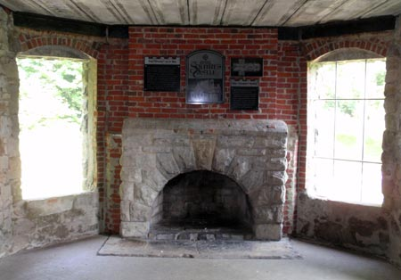Squire's Castle fireplace - photos by Dan Hanson