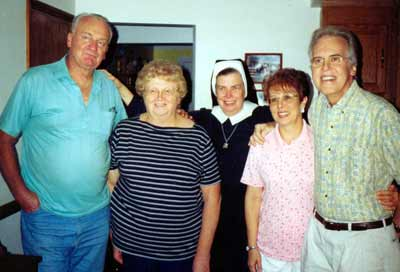 Sister Assumpta with group at the Jennings Center