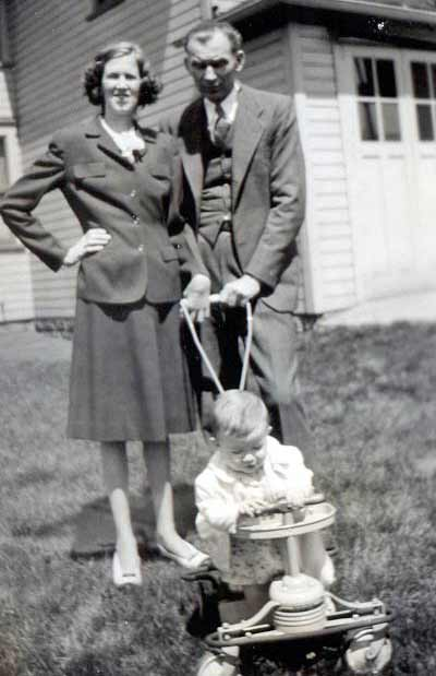 Sister Mary Assumpta - Helen Rachel Zabaskiewicz - With Parents Easter 1946
