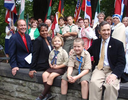 Ben Stefanski, Councilwoman Shari Cloud, Congressman Dennis Kucinich and others at One World Day 2009