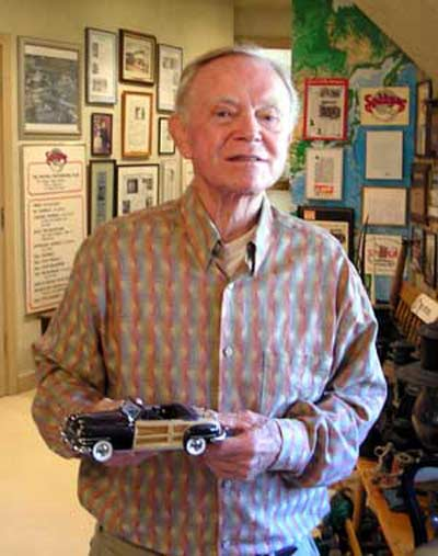 Del Spitzer with model car
