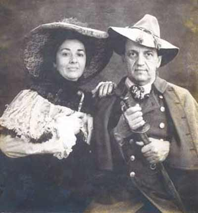 Fred Griffith and wife Linda in costume