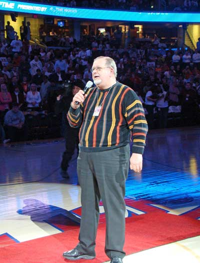 Joe Tait addressing the Cavs fans during his 3000th broadcast
