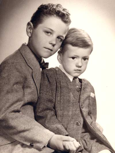Tim Taylor and his brother Jeff in 1953