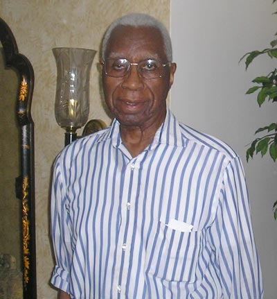 Virgil Brown at home in 2008 - photo Debbie Hanson